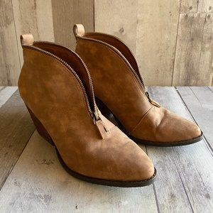 Coconuts by Matisse Alive Zipper booties Size 9
